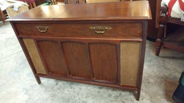 Antique Record Player Sterio Cabinet – Works – Great Condition.  00505_kKowE5JYUUl_600x450 - Antique Record Player Sterio Cabinet – Works – Great Condition