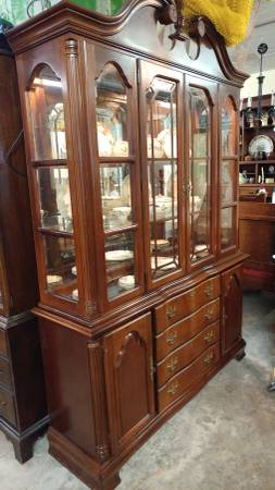 Gentil Large Mahogany China Cabinet U2013 Lexington Furniture U2013 Beautiful.  00u0u_jAPRli3WGP2_600x450