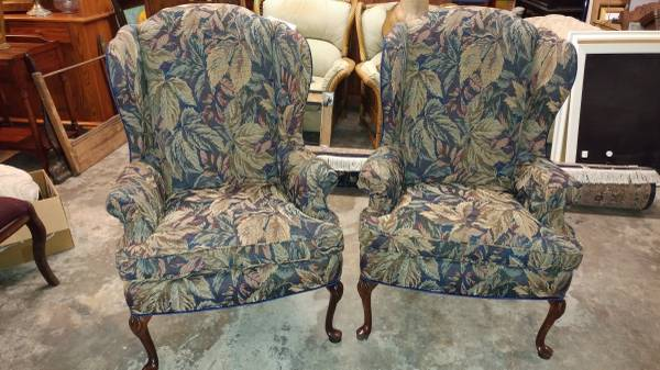 2 Beautiful Wing Back Living Room Chairs – NEW Fabric – Perfect