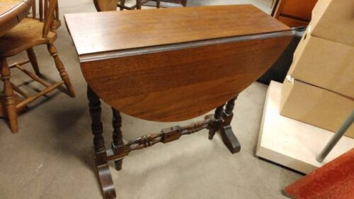 Antique Mahogany Small Drop Leaf Dining Table Occasional Fold Away