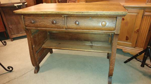 Antique Small Oak Desk Has Two Front Drawers Very Attractive