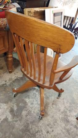 antique oak desk chair windsor style swivel w wheels nice
