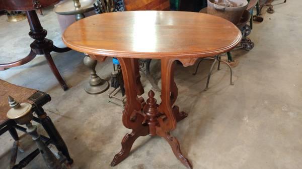 Antique Walnut Victorian Oval Side Table U2013 BEAUTIFUL.  00Z0Z_225H7fJFRqL_600x450