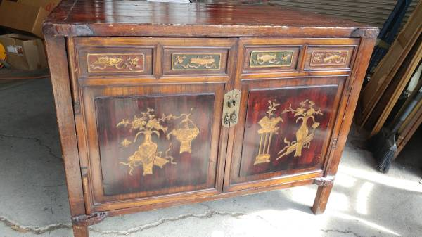 00v0v_gD0rSBCNBO6_600x450 - Antique Asian Cabinet – Hand Made And Hand Painted – BEAUTIFUL