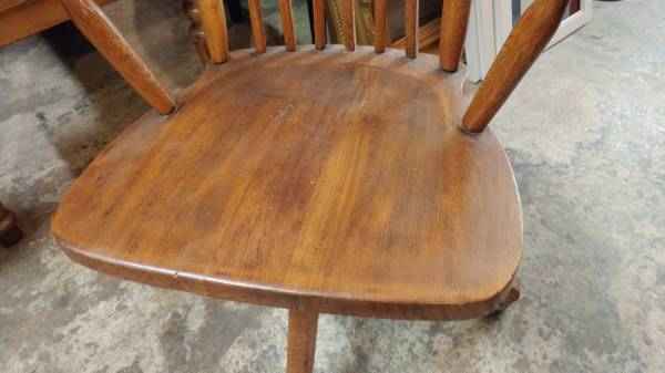 Antique Oak Desk Chair Windsor Style Swivel W Wheels Nice Long Valley Traders
