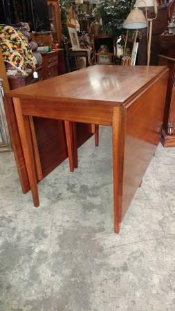 Henkel Harris Mahogany Drop Leaf Dining Table Beautiful Table Long Valley Traders