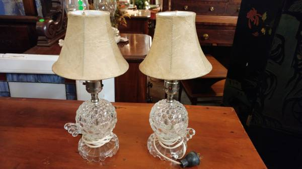2 Small Glass Vintage Vanity Lamps – Cute Lamps – Long Valley Traders