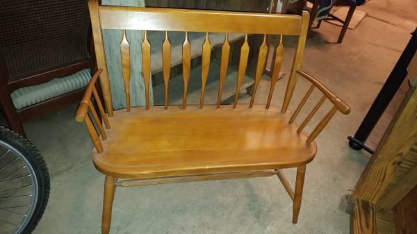 Magnificent Nichols Stone Hitchcock Style Maple Settee Deacons Bench Machost Co Dining Chair Design Ideas Machostcouk