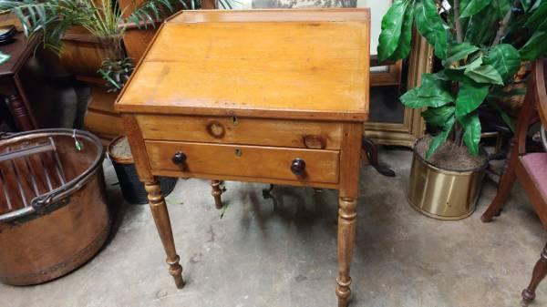 Antique Primitive Plantation Desk – Slant front with Drawer.  00606_56hjaqkJrQU_600x450 - Antique Primitive Plantation Desk – Slant Front With Drawer – Long