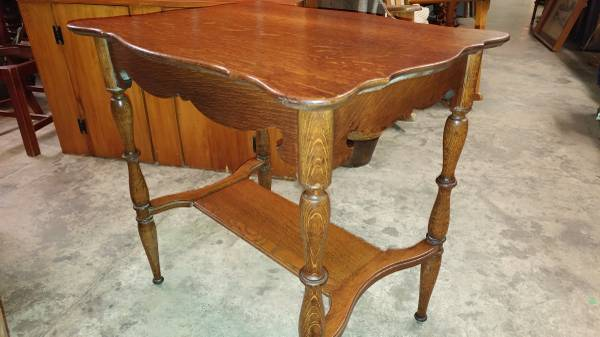 Antique Oak Small Writing Desk Table * 1800's Table * Excellent Table.  00j0j_gFoaBEo0hN_600x450. ;  - Antique Oak Small Writing Desk Table * 1800's Table * Excellent