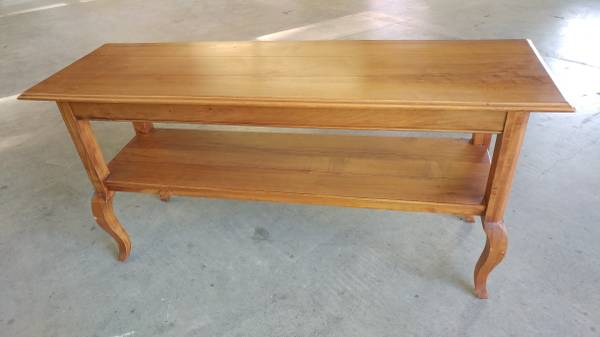 Ethan Allen Sofa Table Solid Wood Excellent Condition Beautiful