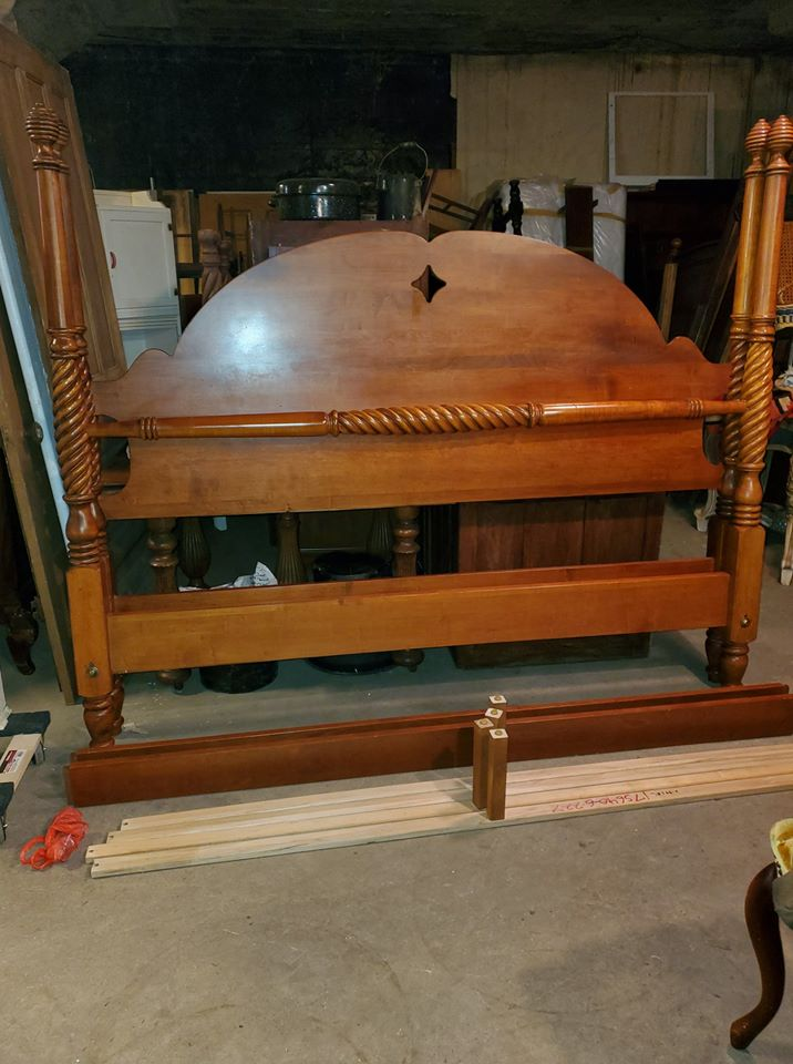 Ethan Allen Maple King Size Bed - 4 Post Bed - Beautiful ...